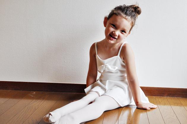 handmade bow leotard for little girl via Vivat Veritas