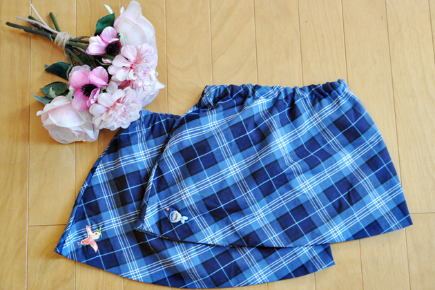 kids-plaid-skirts-with-bird-and-fish-embroidery