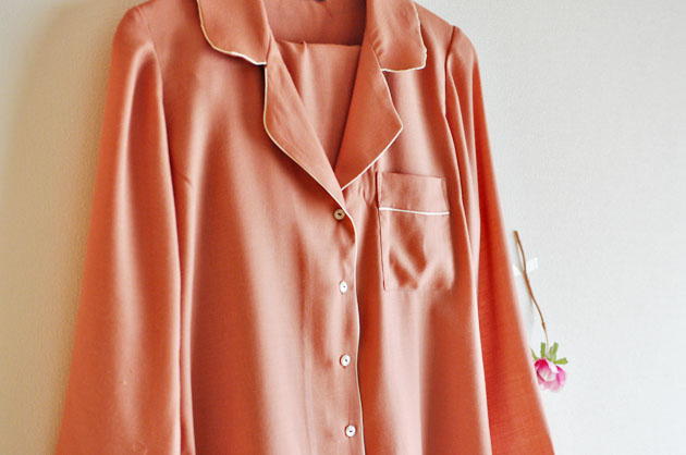 pink-and-beige-pipping-carolyn-pajamas